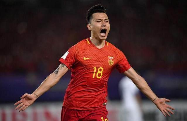 黄健翔解说国足比赛太兴奋,认为足球是第一,戏