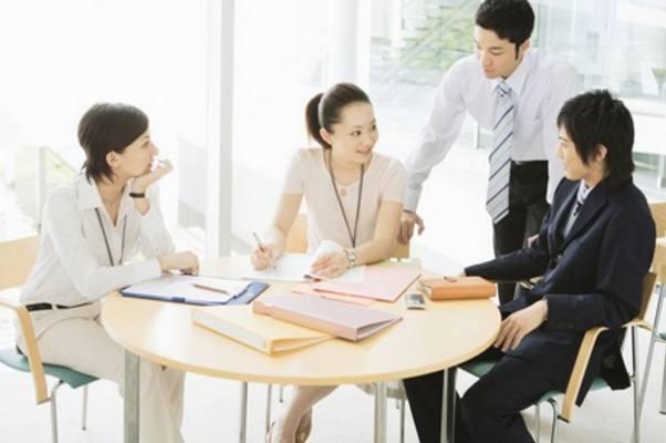 职场面试,从容介绍自己的优缺点