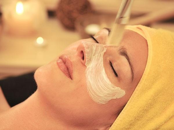 护肤:不同类型的面部护理及其益处!