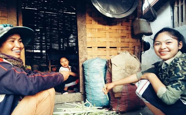 他们在老挝农村租地种西瓜,一亩地赚3000多,年