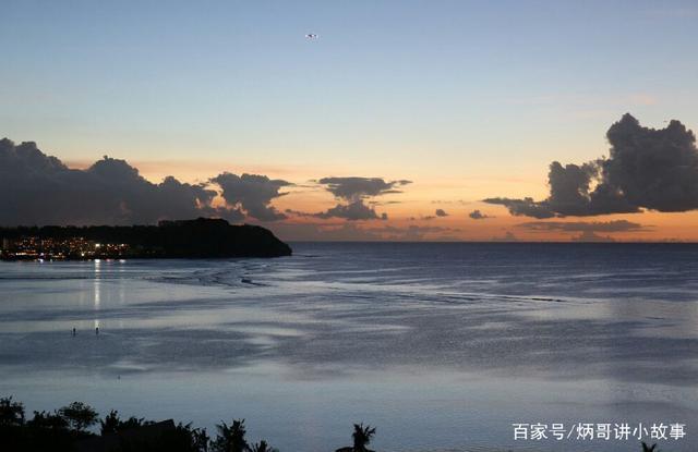 杜梦弯是关岛非常出名的公共海滩,这里有很多