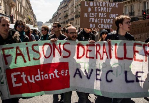 法國學生大鬧校園抗議馬克龍 知名大學被迫