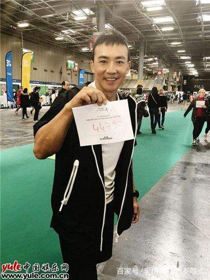 刘畊宏出席自己投资的健身中心新店开业活动