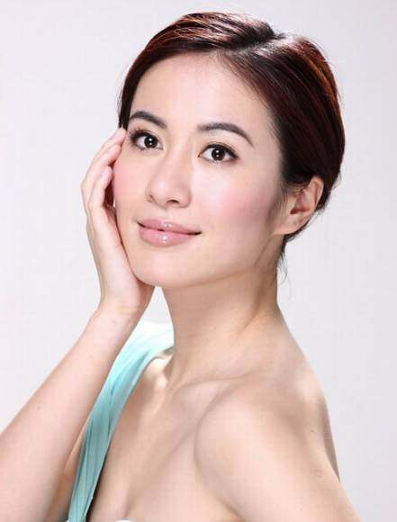 骂人抠鼻还放狗咬人,叶璇的国际华裔小姐冠军