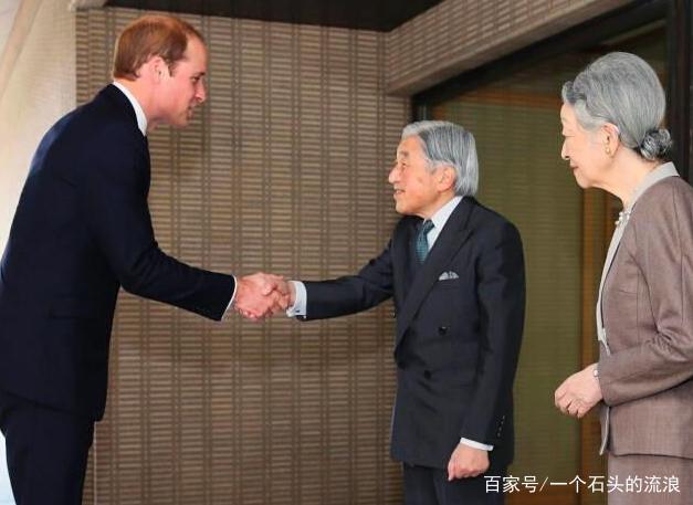 日本天皇见面各国政要:奥巴马鞠躬握手,英拉行