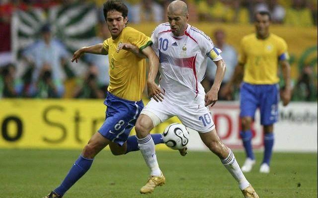 06年的巴西被称为最强阵容,世界杯却被齐达内