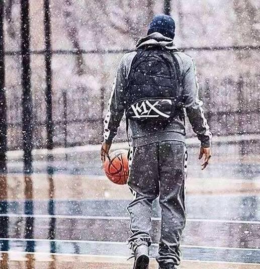 热爱篮球的你们有福了,冬天打篮球必备攻略