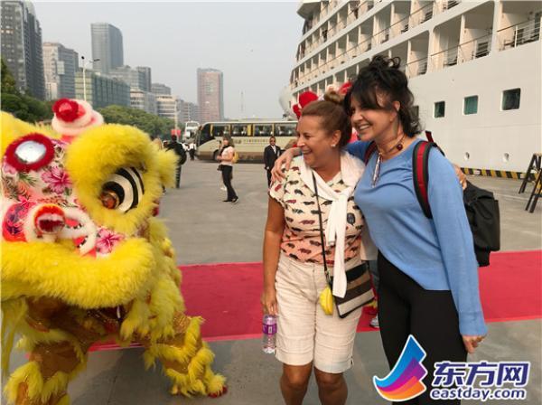 打響上海服務 | 上海首次舉行訪問港郵輪旅客歡迎儀式
