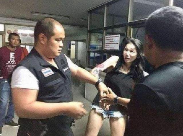在泰国为什么就连抽电子烟,也会立马被查?说出