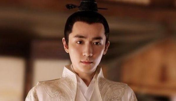 每日朱一龙资讯精选|明星人气榜出炉:王俊凯霸