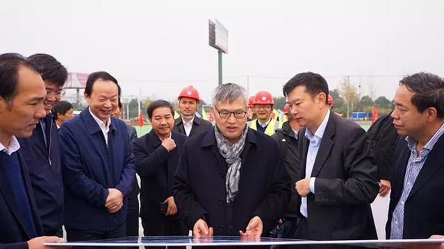 京东方科技集团董事长王东升莅临公司武汉京东
