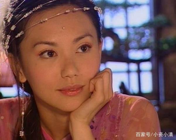 新加坡国宝级女演员,一位远嫁澳大利亚,一位被