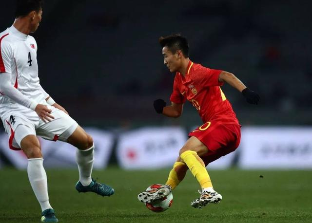 跟亚洲比未来国足锋线的韦世豪和张玉宁是什么
